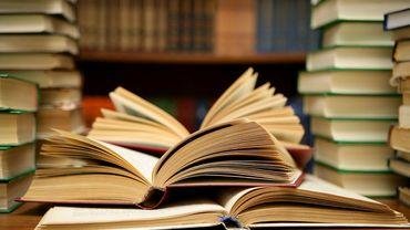 10 Powerful Books Every Entrepreneur Needs To Read