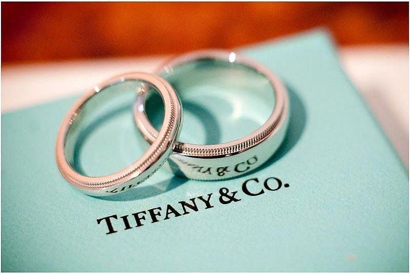 To Match Hers Go Straight To Tiffany S For The Men S Wedding Band Weddingringfor Anel De Noivado Rose Gold Aliancas De Casamento Tiffany Aliancas De Noivado