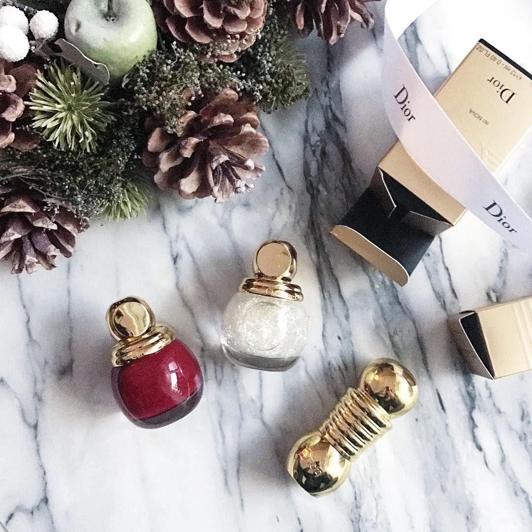 クリスマスコフレ生まれて初めて購入🎄 Diorの可愛すぎてジェル派なのに .