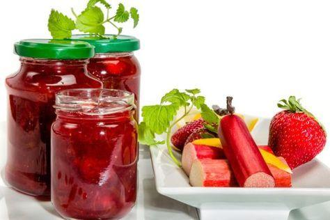 Rebarborová marmeláda s jahodami - Recept pre každého kuchára, množstvo receptov pre pečenie a varenie. Recepty pre chutný život. Slovenské jedlá a medzinárodná kuchyňa