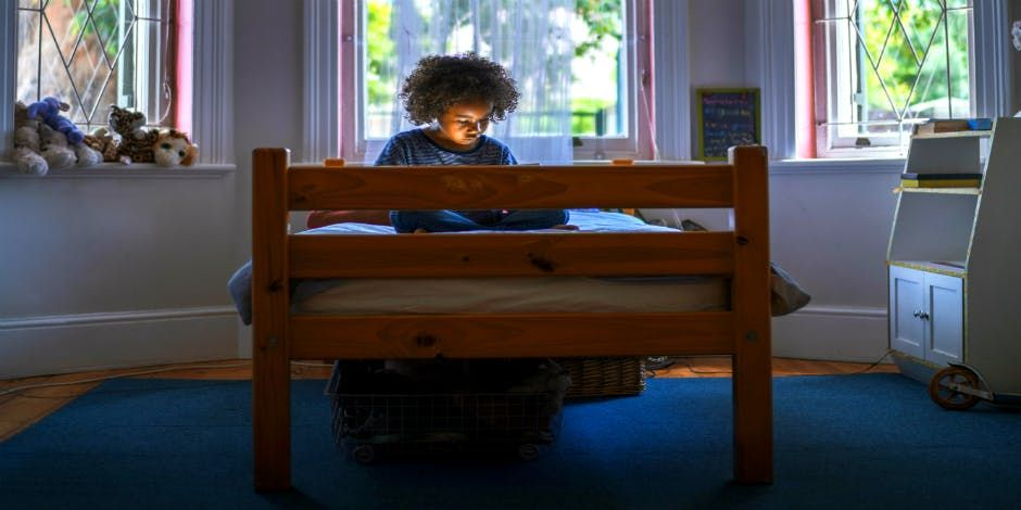 10 things emotionally neglected kids grow up believing