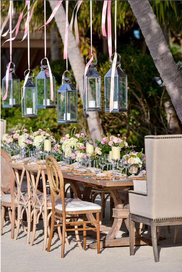 Capturing @avantgardensmia setting up this weekends ...