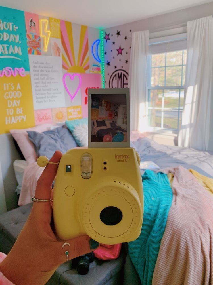 Typical Dorm Room: Pin By Dav 🪐 On H A P P Y ☆ In 2020
