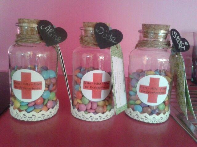 Erste hilfe pillen f r erzieherinnen geschenk erzieher erzieherin kindergarten smarties - Geschenkideen erzieherin ...