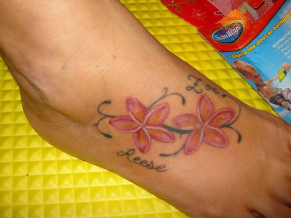 pin by ellen demeuse on tattoo ideas pinterest tattoo plumeria tattoo and tatoos. Black Bedroom Furniture Sets. Home Design Ideas