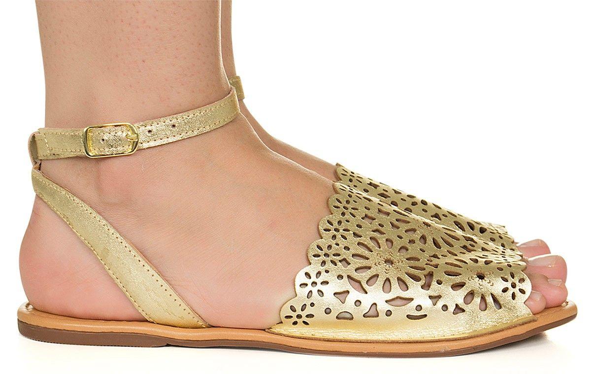 6e6868ac93 Rasteira avarca dourada com recorte de flores Taquilla - Taquilla - Loja  online de sapatos femininos