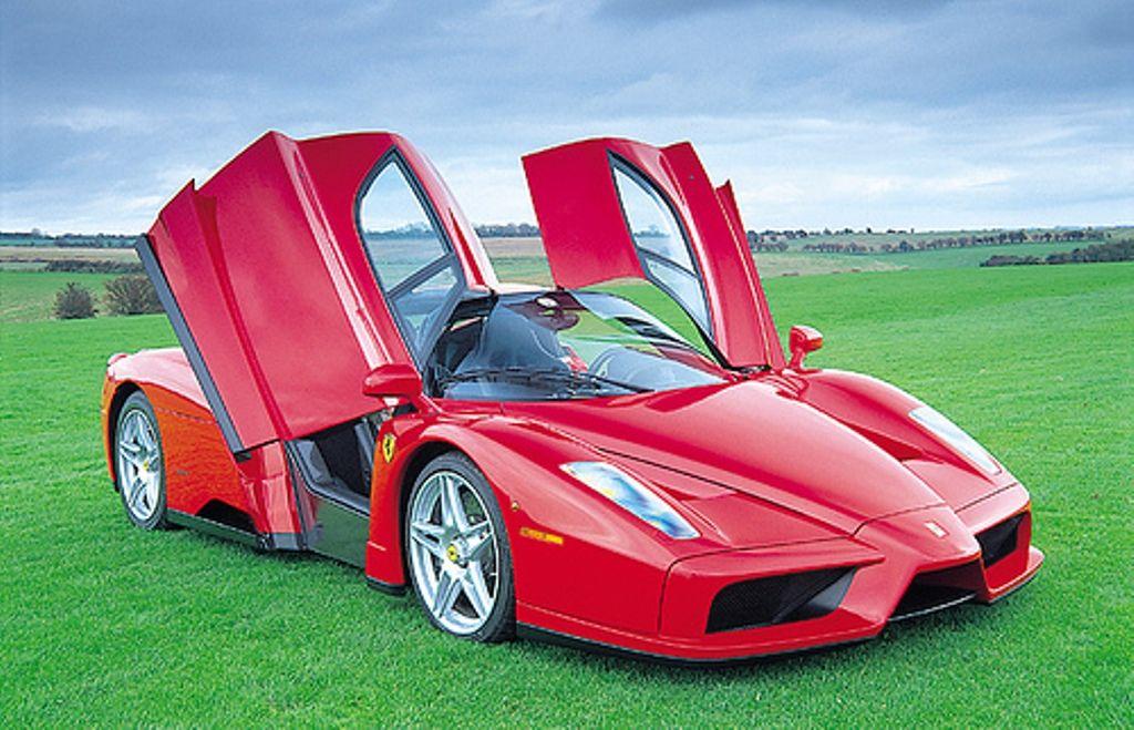 2014 Ferrari Enzo Pictures