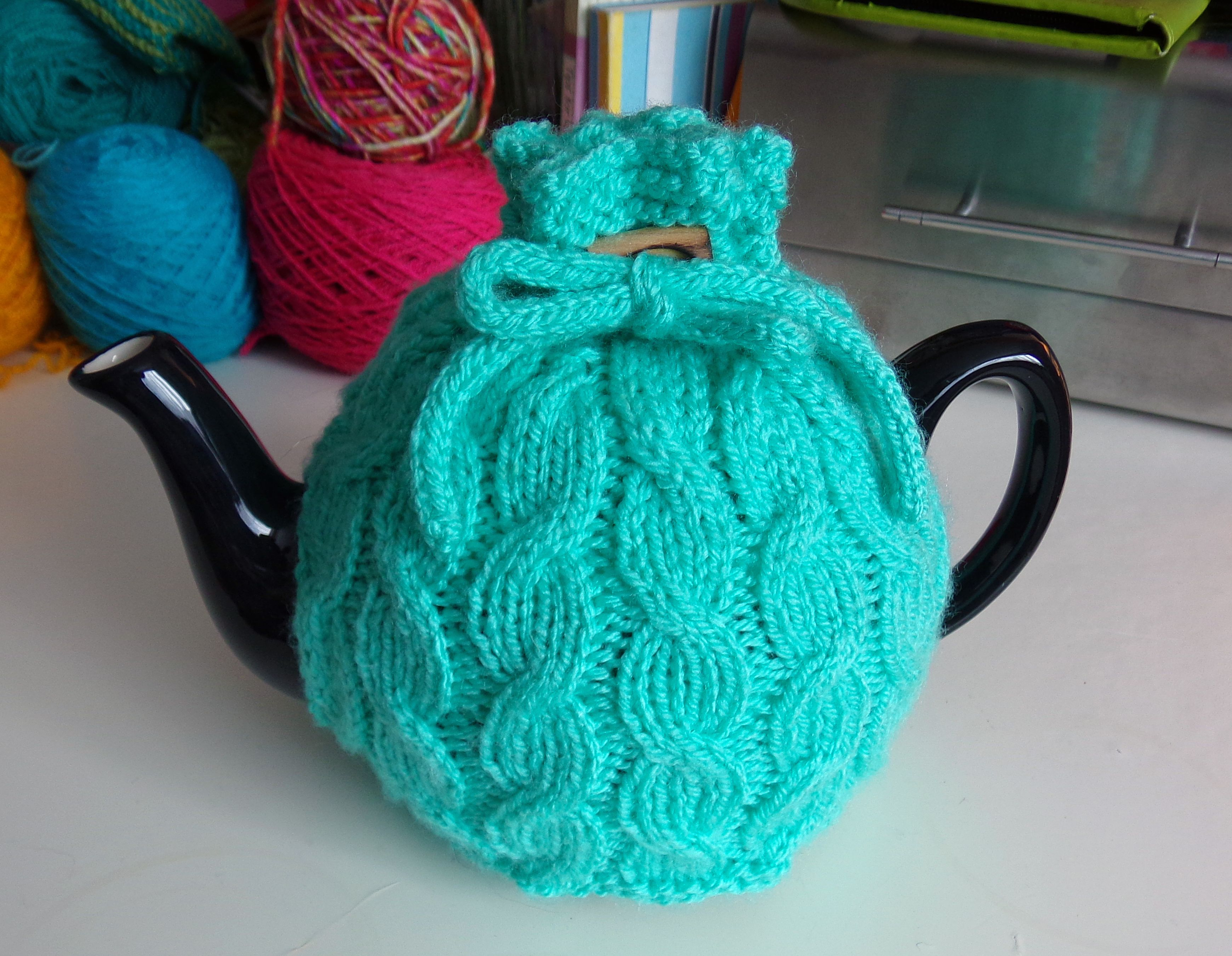 Cute cabled tea cosy | Cozies/Cup/Drink Cozies ☕☕ | Pinterest ...