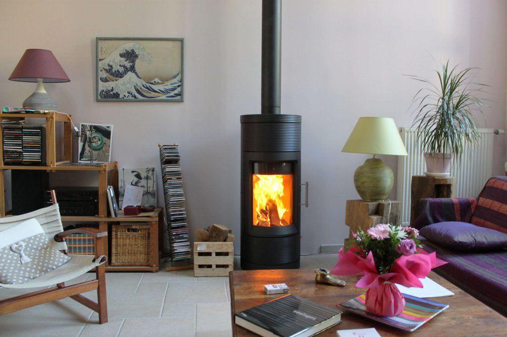 Interieur Deco Et Poele Hase Lima Noir Ceramique Striee Lave