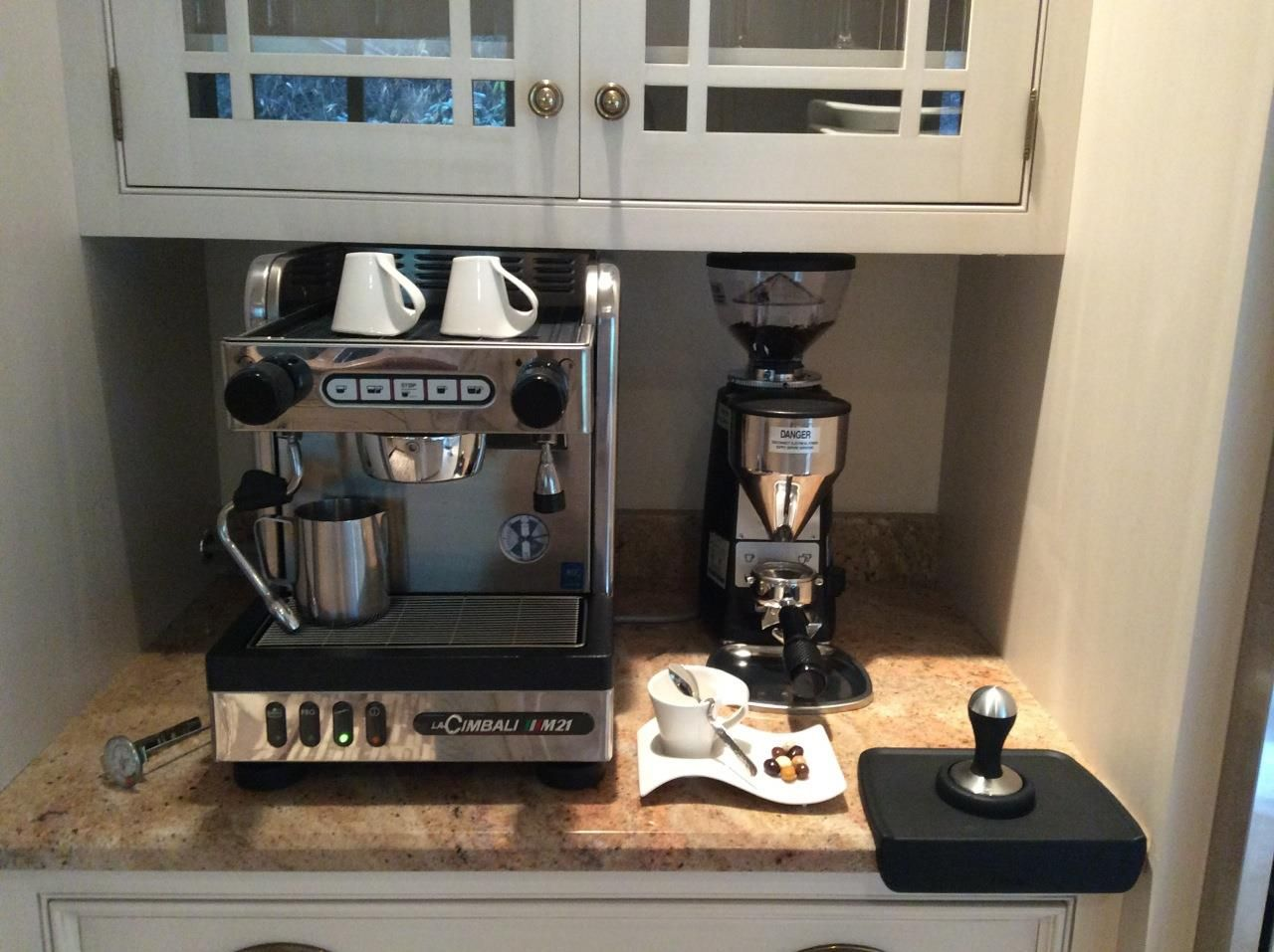 junior casa dt1 with a mazzer mini e type b grinder. Black Bedroom Furniture Sets. Home Design Ideas