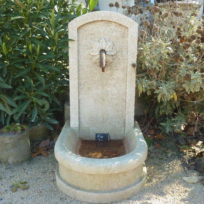 Petite fontaine en pierre de taille pour jardin de - Petite fontaine de jardin pas cher ...
