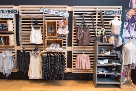 Ideas de decoraci n con palets para una tienda pinterest for Decoracion palets reciclados