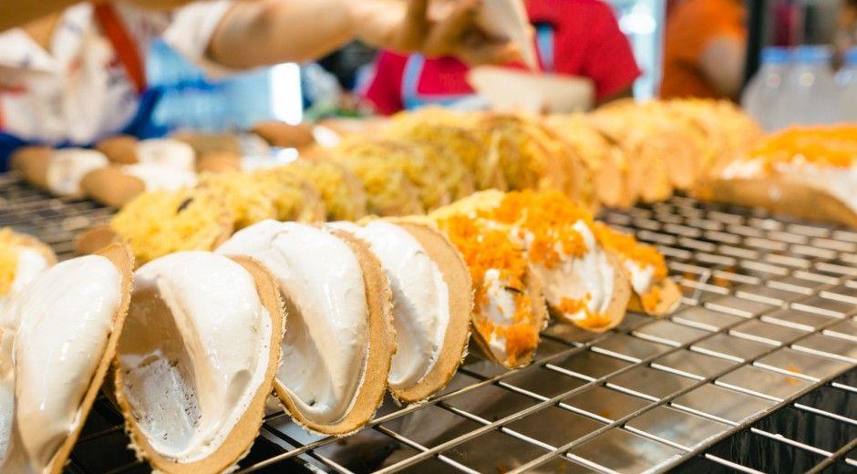 Bangkok Street Food Cray Dessert Tacos Called Kanom Bueang Food Street Food Food Street