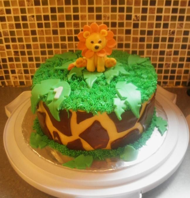 Jungle Cake With Icing Not Fondant Google Search With Images