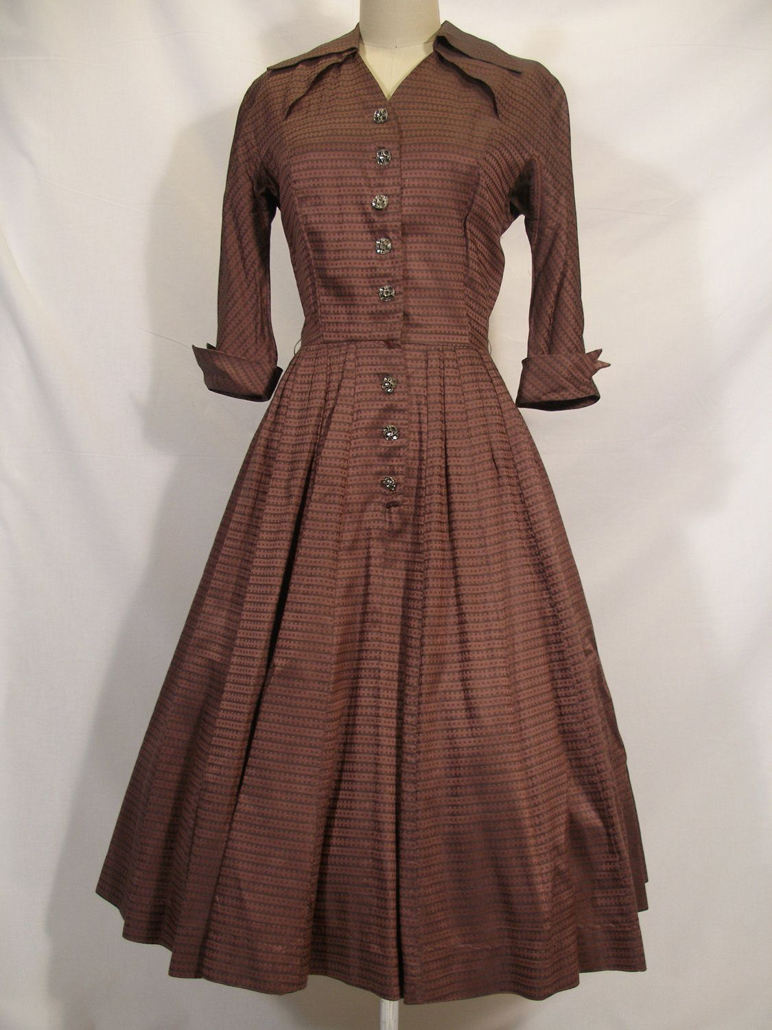 Retro Revolution Where To Find Vintage Clothing In: 1950s Mauve Grey Iridescent Shirtwaist Dress