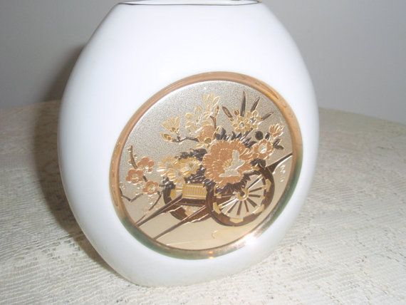 Vintage Japanese Vase Chokin Art Vase With Rickshaw And Flowers