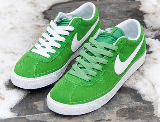 green shoes nike