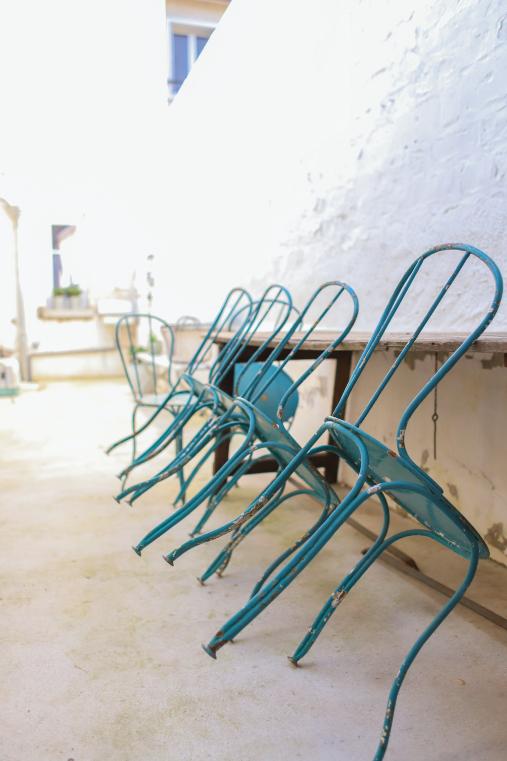 Bienvenue Chez Annabelle Les Penates Reims En 2020 Salon De Jardin Chaise De Jardin Jardins