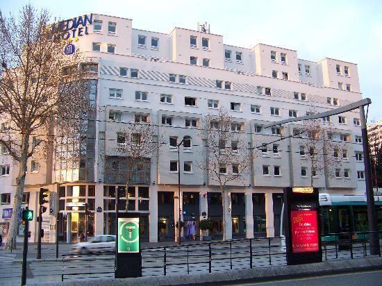 Median paris porte de versailles hotel is 220 yards from - Hotel median paris porte de versailles ...