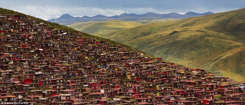 Larung Gar, Sichuan: weltweit größte, buddhistische Siedlung in Bildern_China.org.cn