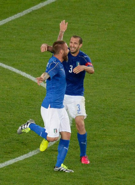 Daniele De Rossi of Italy celebrates after scoring his team's second goal   during the international friendly match between Italy and Finland on June 6, 2016 in Verona, Italy.
