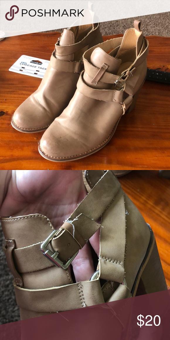 Report footwear Booties