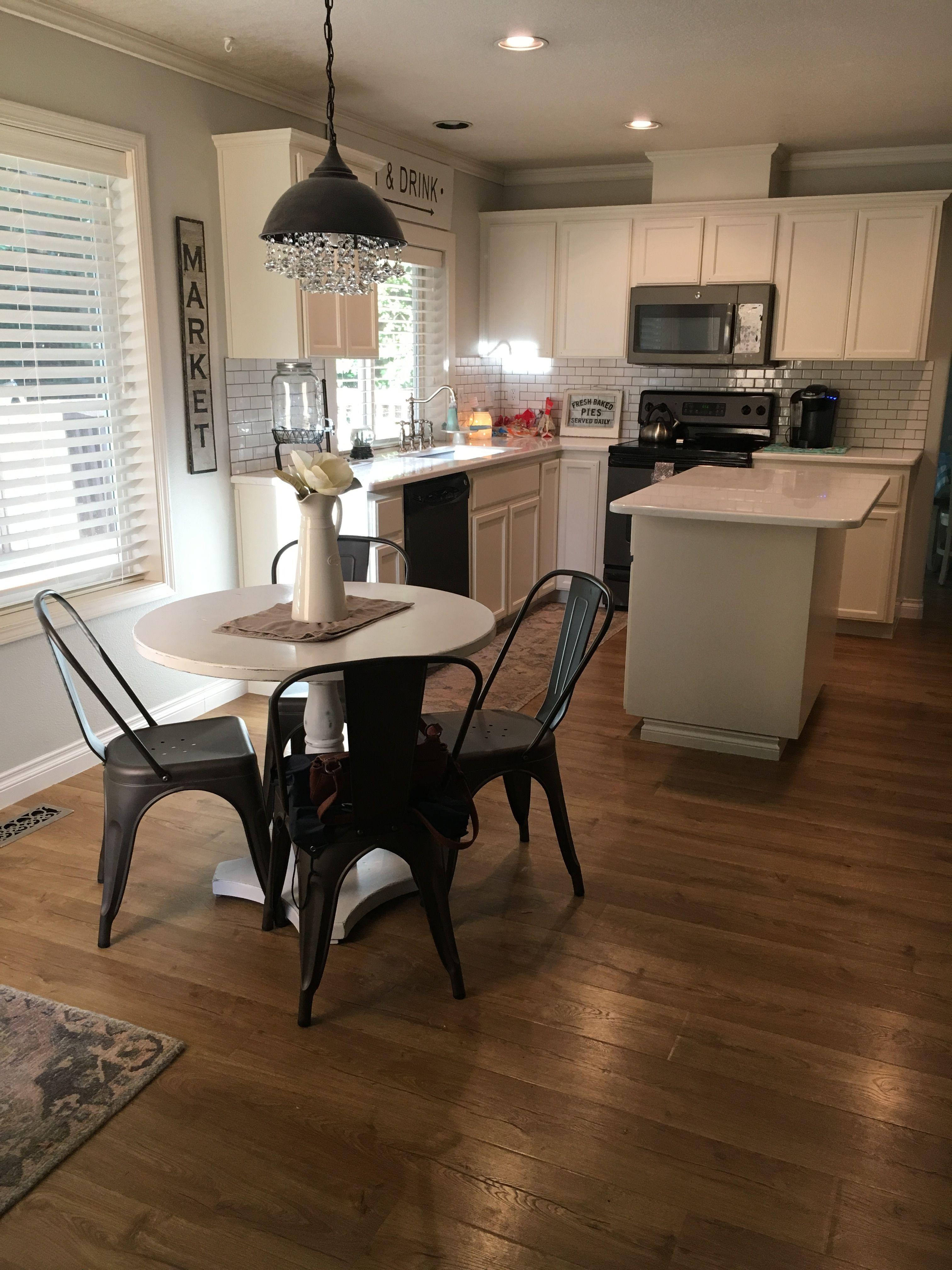 Farmhouse white kitchen.   Kitchen layout, White kitchen ...