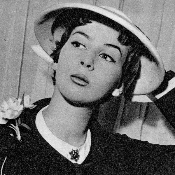 Fashion designer nina ricci 55