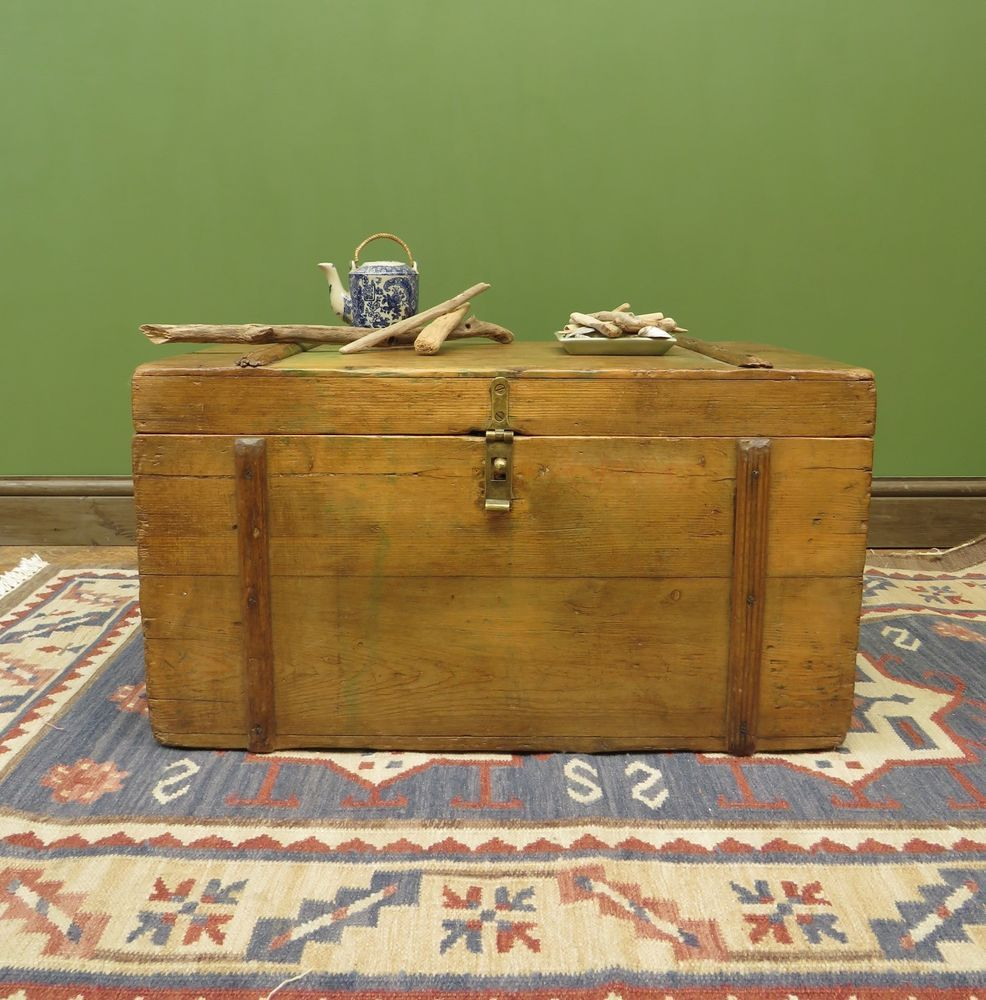 Small pine chest blanket box coffee table toy chest rustic sea chest