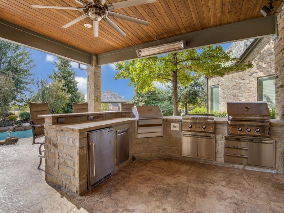 Outdoor Living In Prosper Outdoor Kitchen And Stoves Indoor Outdoor Kitchen Outdoor Kitchen Patio Outdoor Living