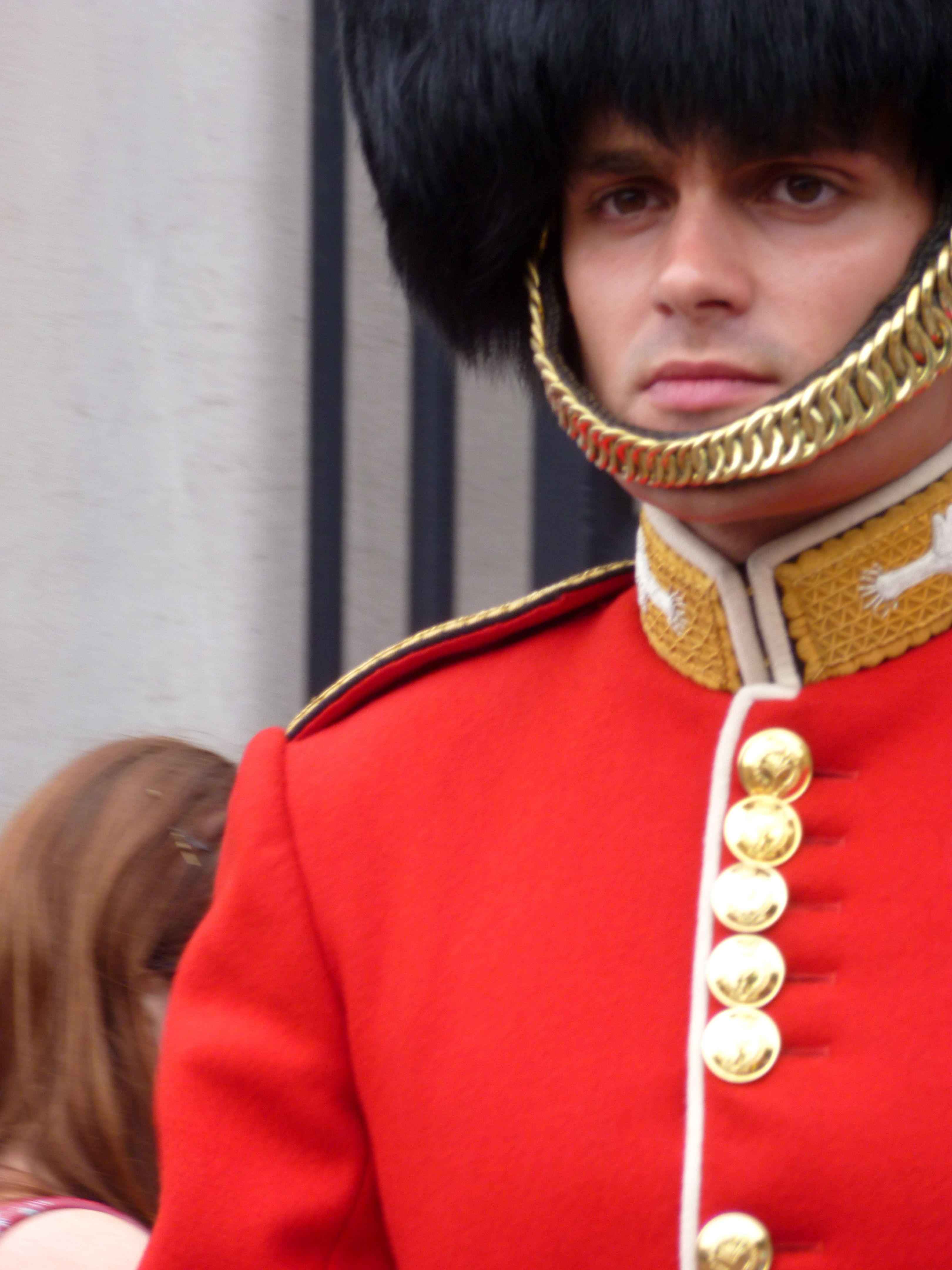 Make A Buckingham Palace Guard laugh. | London and ...