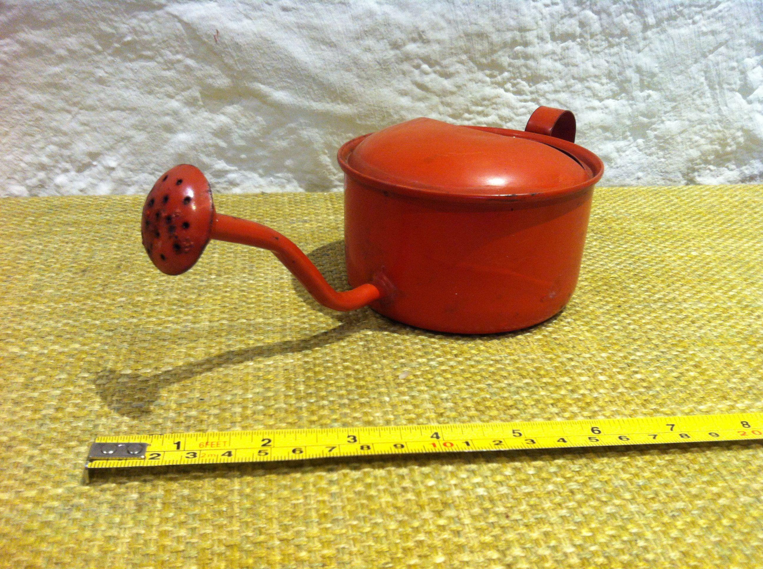 Landhaus Accessoires Dekoration : Vintage enamel watering can accessoires miniature garden deco