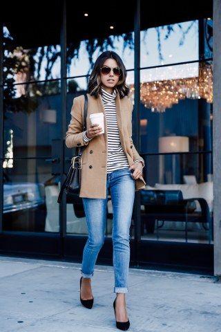 Skinny+Jeans+bürotauglich+kombiniert+mit+Streifenpulli,+Longblazer+und+Pumps