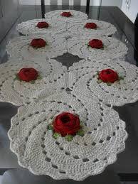 Resultado de imagem para tapetes em croche com motivos de flores em croche com graficos