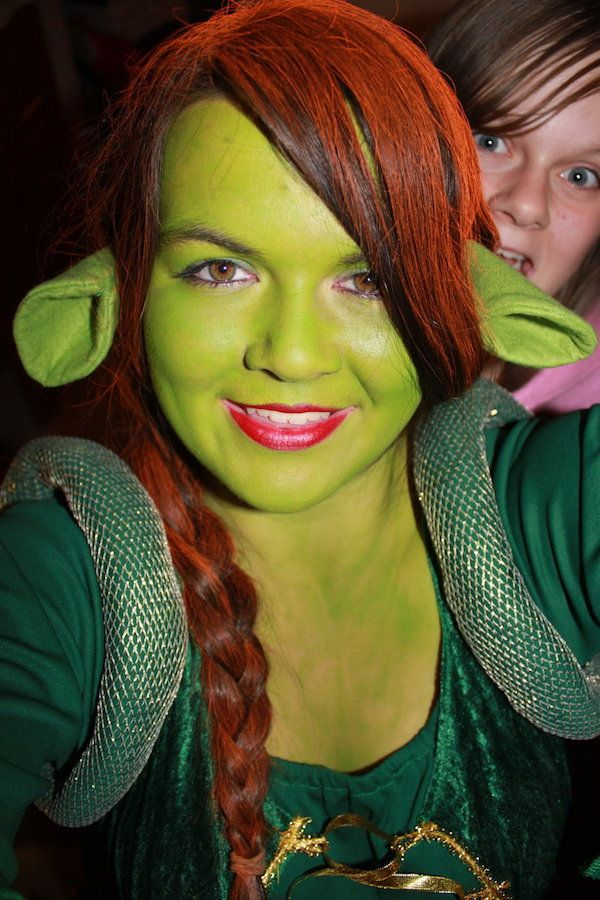 DIY Shrek Princess Fiona Costume | maskerix.com  sc 1 st  Pinterest & DIY Shrek Princess Fiona Costume | Princess fiona Shrek and ...