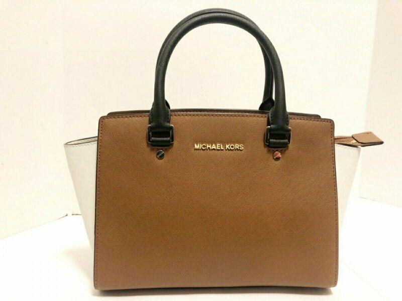 Michael Kors Handbag Brown White Black Leather Used In 2020 Handbags Michael Kors Michael Kors Handbags Brown Black Leather
