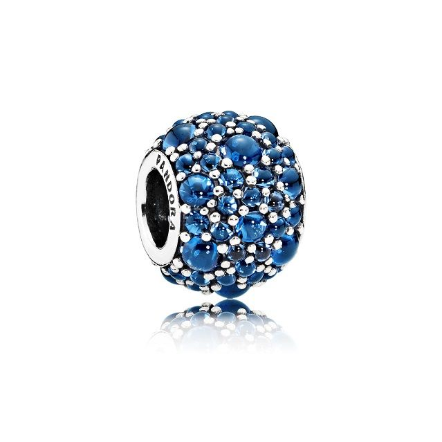 Il Blue #Christmas firmato @officialpandora  – TheAuburnGirl http://www.theauburngirl.com/blue-christmas/ #jewels #xmas