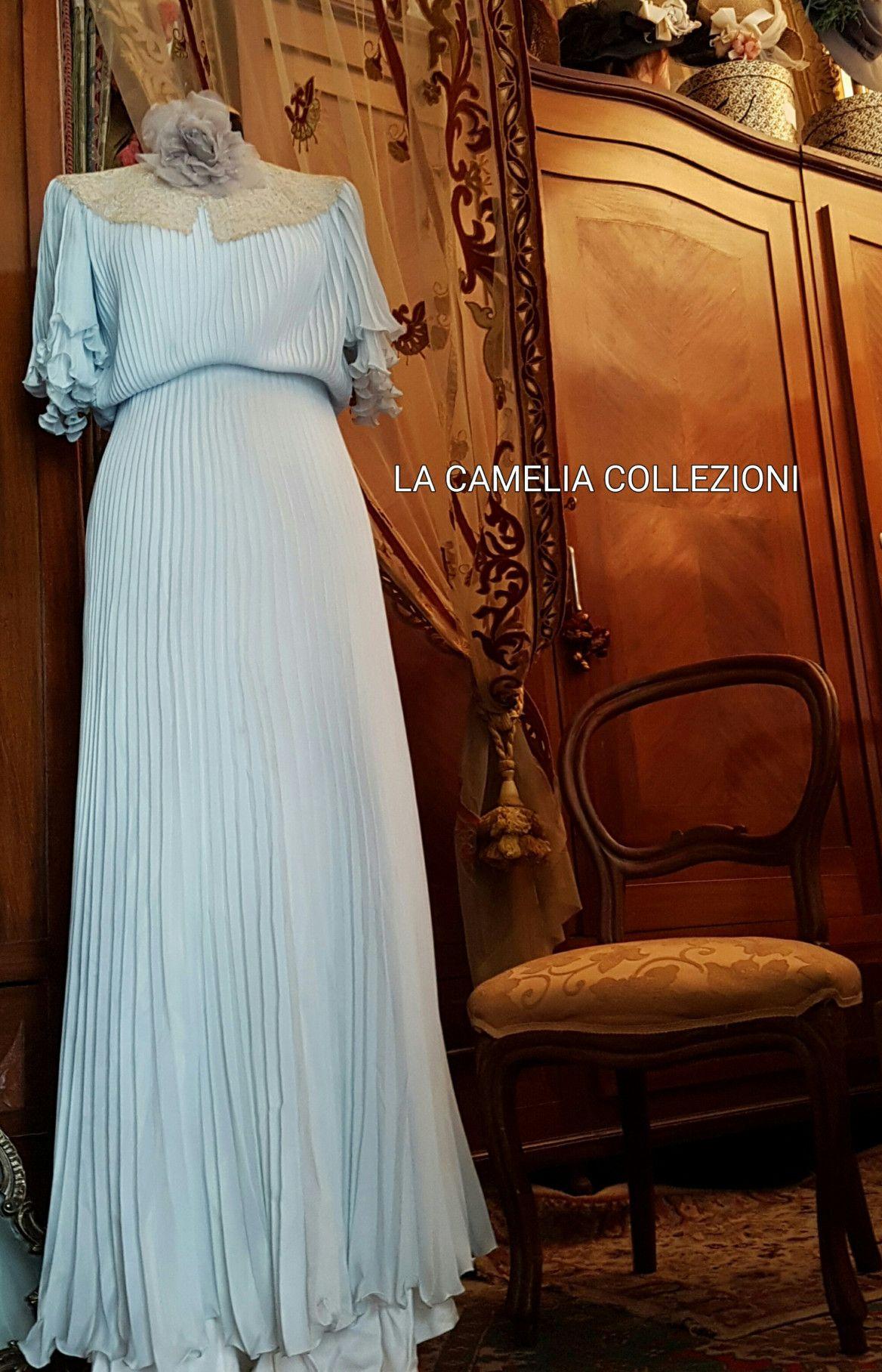 Vestito anni 40 in seta colore azzurro.jpg