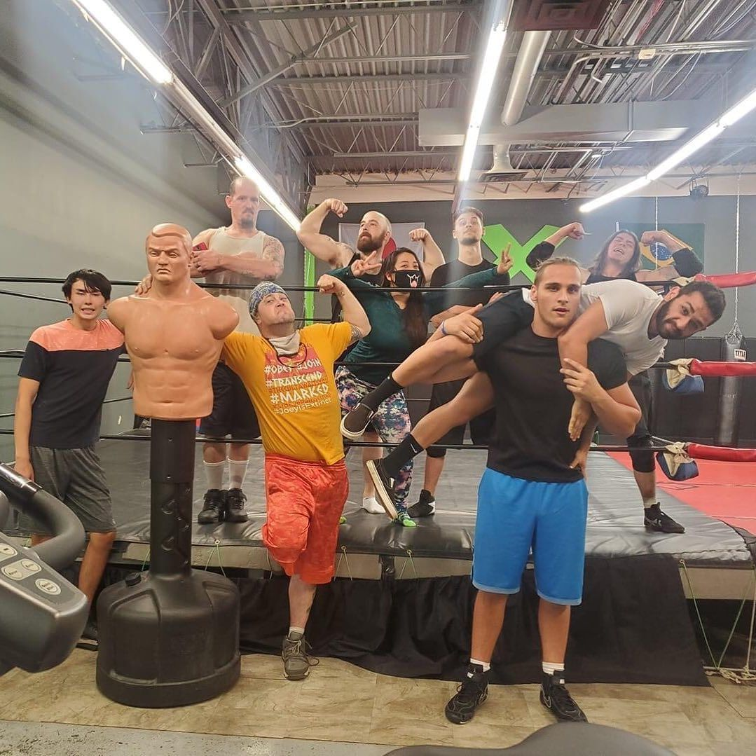 Sunday shenanigans group #photo @xtremegym247 . It's wonderful to finally be back in the ring and see familiar faces . Let's GO‼️ 💪🏻@primosprowrestling 💪🏻 #sunday #weekend #sundayfunday #igers #primos premiere #pro #wrestling #live #indie #prowrestling #3pw #indywrestling #dowhatyoulove #lovewhatyoudo #neverstoplearning supportindependentwrestling #entertainment #thingstodo #fun #fitness #denver #colorado #hobbies #usa #peace