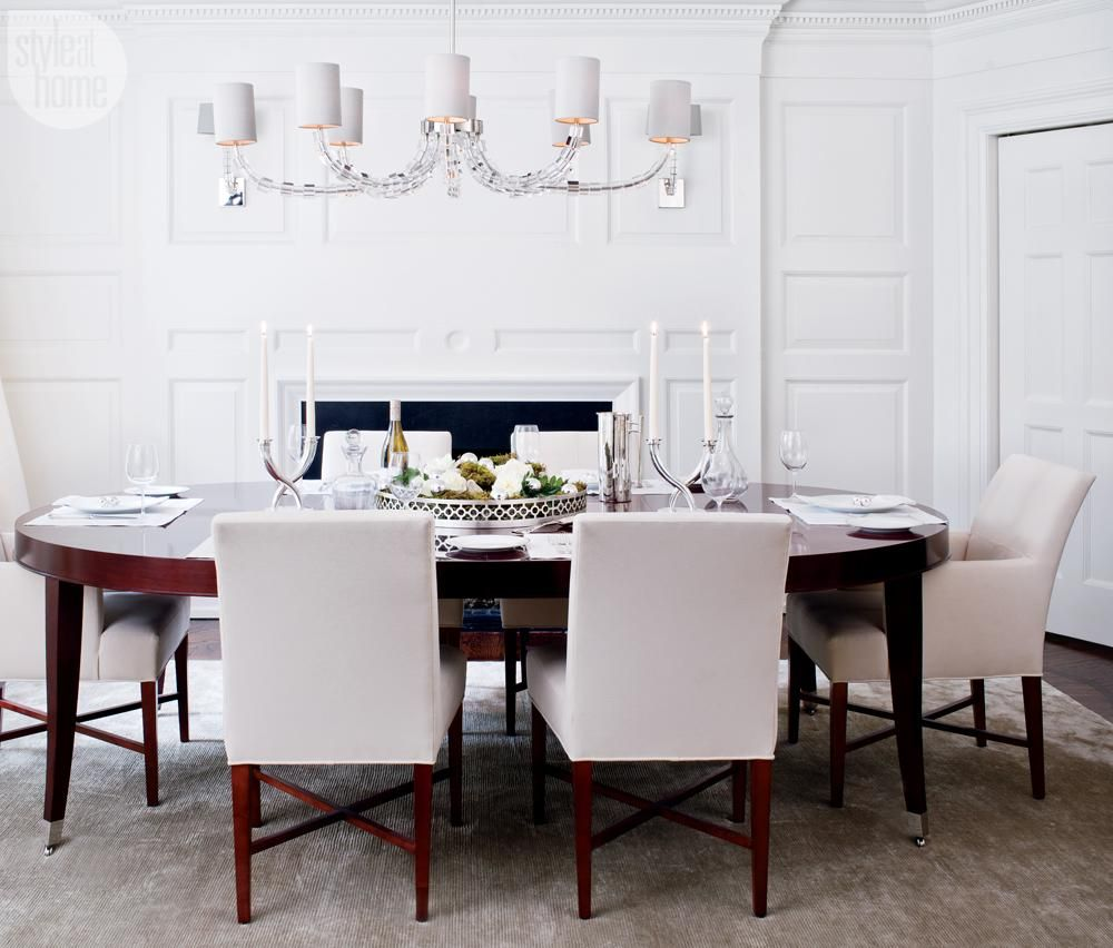 Bring a deliciously festive spirit to your dinner table with our best dressed holiday dining rooms.
