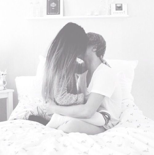 kissing couples romantic in bed kiss couple hug happiness cute couples cute 3031