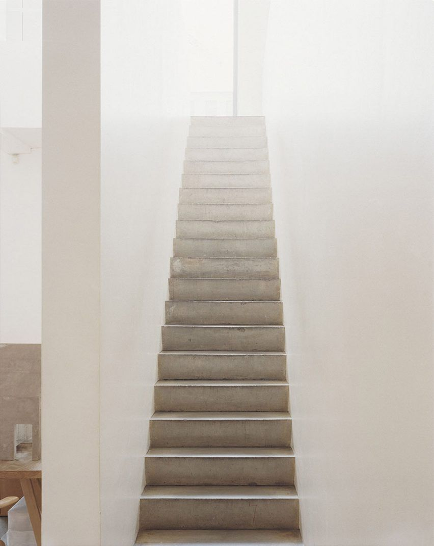 Best A Concrete Staircase Connects The Ground Floor With John 400 x 300