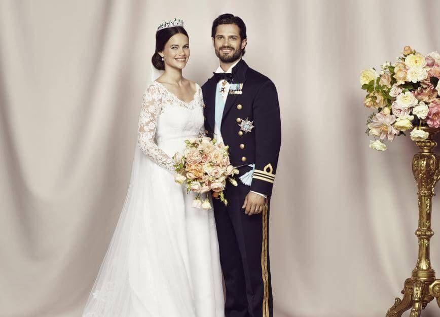 Carl Philip Und Sofia Hellqvist So Suss Bedanken Sie Sich Bei Ihren Fans Konigliche Hochzeitskleider Brautkleid Prinzessin Royale Hochzeiten
