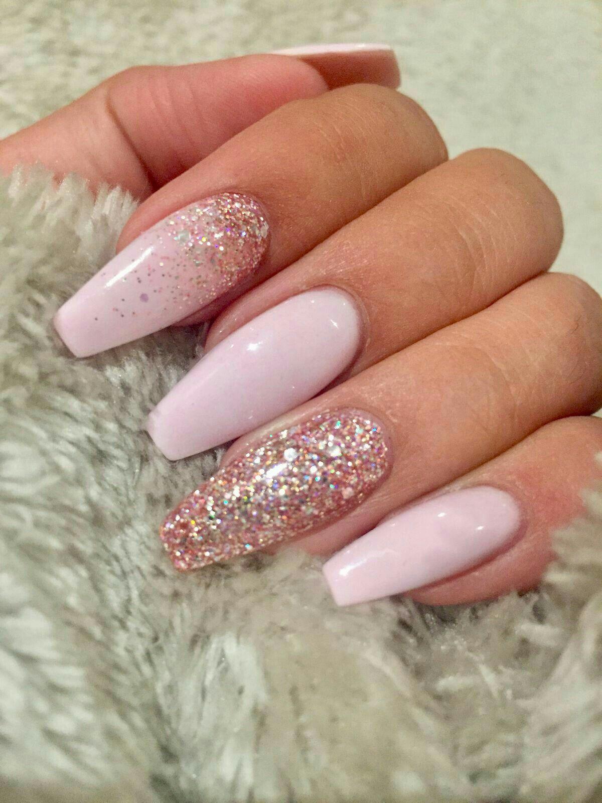Pin By Savannah On Nails Light Pink Acrylic Nails Nails Design With Rhinestones Pretty Nail Designs Acrylics