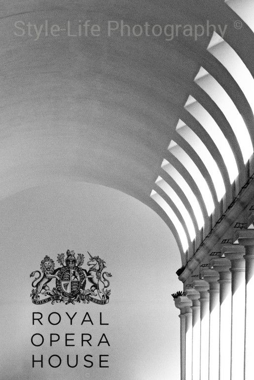 Soft Lights And Smooth Curves Covent Garden London Uk Again My Attention Was