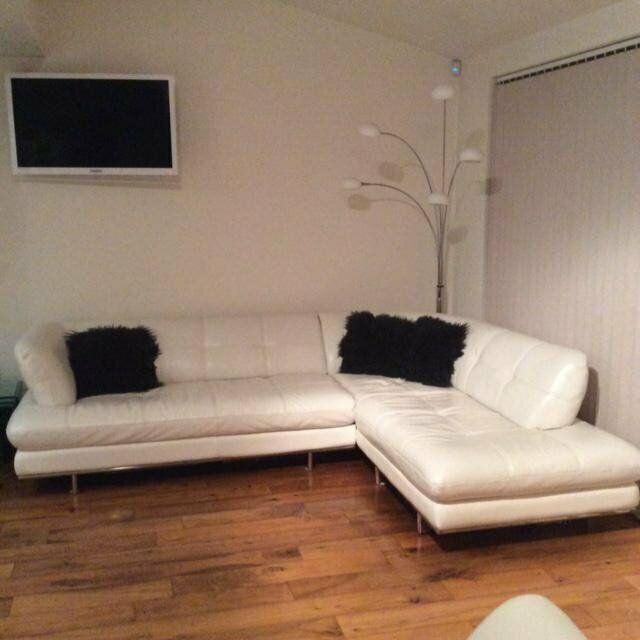 White Leather Sofa Gumtree In 2020 White Leather Sofas Leather Sofa Black Sofa