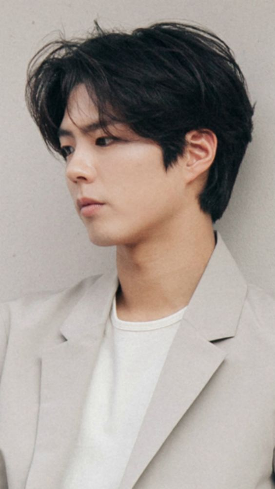 The Curtains Hairstyle in 2020   Korean men hairstyle, Wavy hair men, Korean short hair
