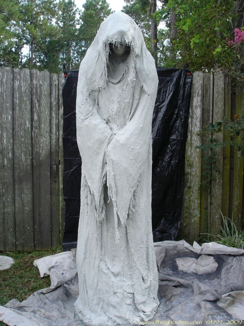 DIY THE MOST AWESOME GHOST #Halloween yard decor props halloween - Ghost Halloween Decorations