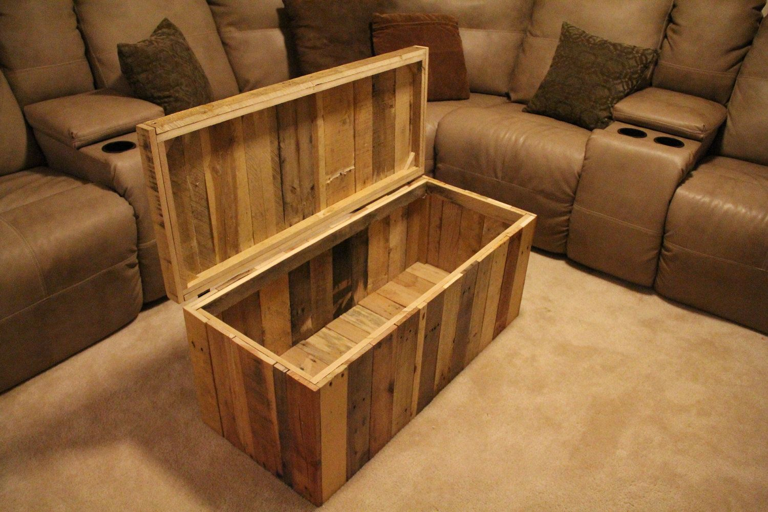 Pallet toy chestdiy project shelves cabinets tables storage