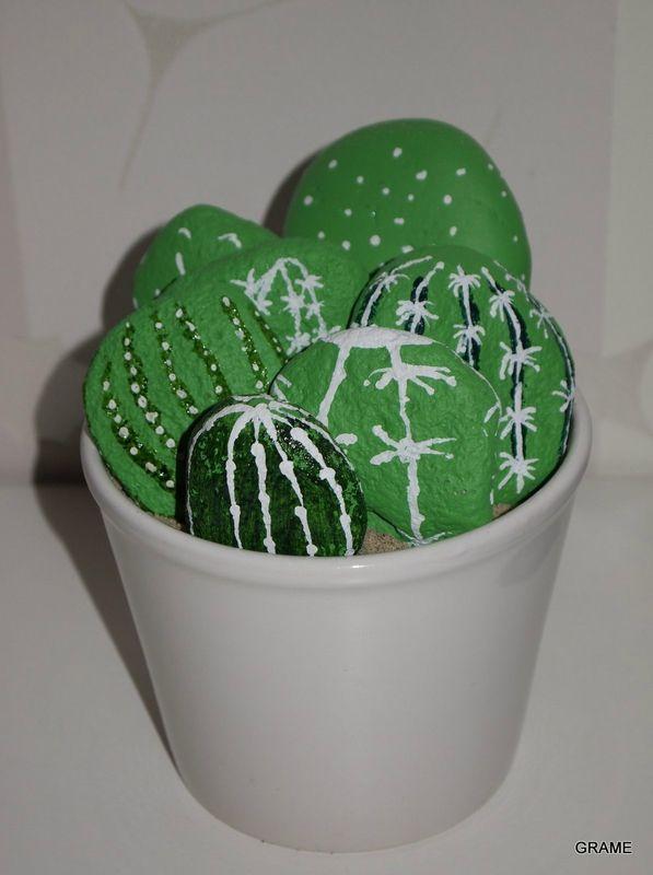 Cactus tout doux diy galets peinture enfants bricolage d tournement upcycling grame - Modele massief avec galets ...
